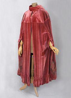 Edwardian clothing at Vintage Textile: #1112 French opera cloak