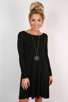 This shift dress is so simple and chic!