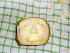 How to Carve Shrunken Head Apples: 8 Steps (with Pictures)