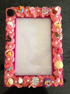 DIY photo frame using silicone mixed with postel colour and decoden