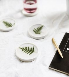 DIY botanical resin coaster | easy tutorial | crafts for the home