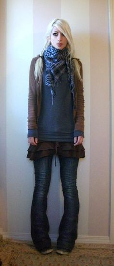 steampunkcouture.com  Love the cute skirt with jeans and long layers