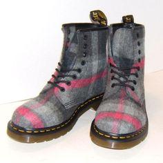 Dr-Doc-Martens-CASTEL-Ankle-Boots-GREY-PINK-PLAID-Women-Size-8-US-6-UK-39-EUR
