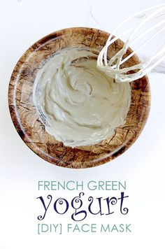 French Green Clay is already a smoothing face mask. But with yogurt it's even more cooling and smoothing. Plus the lactic acid of the yogurt combined with the deep pore cleansing and refining benefits of clay are amazing for acne and blackheads. Sugar Scrub Homemade, Sugar Scrub Recipe, Beauty Tips For Hair, Natural Beauty Tips, Yogurt Face Mask, Green Clay, Yogurt Diy, Diy Skin Care, Different Recipes