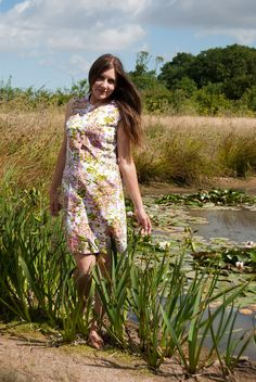 Jane Air wearing a floral 60s vintage dress Short Sleeve Dresses, Dresses With Sleeves, Lily Pond, Vintage Dresses, Floral, How To Wear, Fashion, Vintage Gowns, Moda