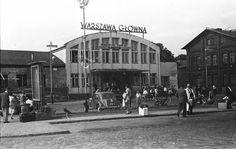 Dworzec Warszawa Główna - 1958 rok.  Fot. Zoltan Lencse  Źródło: http://www.fortepan.hu/