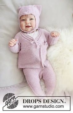 Conjunto rosa hello Kitty en dos agujas Knitting Books, Knitting For Kids, Lace Knitting, Baby Knitting Patterns, Baby Patterns, Crochet Patterns, Cardigan Bebe, Baby Cardigan, Drops Design