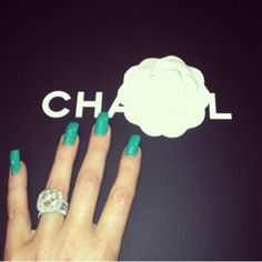 Khloe+Kardashian's+Cool+Teal+Nails+—+Get+The Look - Trend Haarstyling Männer Feines Haar 2019 Teal Nail Polish, Teal Nails, Love Nails, How To Do Nails, Pretty Nails, My Nails, Funky Nails, Cool Nail Designs, Acrylic Nail Designs