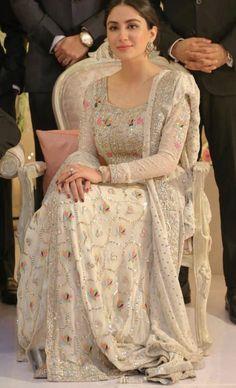 She's wearing zehra saleem for a wedding Pakistani Dresses Casual, Pakistani Wedding Outfits, Pakistani Wedding Dresses, Pakistani Dress Design, Bridal Outfits, Indian Designer Outfits, Indian Outfits, Designer Dresses, Indian Dresses