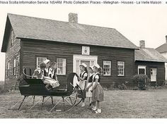 La Vielle Maison, Meteghan, N., one of the oldest Acadian houses on the 'French Shore' Social Studies Projects, Social Studies Curriculum, Acadie, Canadian History, The Province, Canada Travel, Nova Scotia, Ancestry, Family History