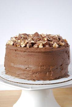 Snickers Cake. MICHELLLLLEEEEE!!!!!!!
