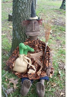 Primitive Halloween Witch Tillie and Toads by Rabbithollowprims, $49.95
