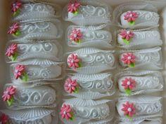 Doigt de la mariée aux amande déco marguerite spécial mariage création rania orientale