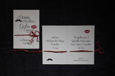 Demis & Giulia 15 Giugno 2014 Gli sposi hanno richiesto una partecipazione classica e raffinata, ma con un loro segno distintivo. Baffi e bocca sono i simboli che...