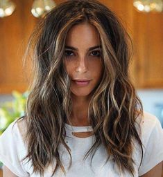 60 Hairstyles Featuring Dark Brown Hair with Highlights - Longer Shag with Thin Face-Framing Highlights - Brown Hair With Blonde Highlights, Brown Ombre Hair, Brown Hair Colors, Hair Highlights, Color Highlights, Face Frame Highlights, Red Hair, Blonde Honey, Chunky Highlights