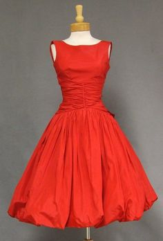 Cherry Red Taffeta Cocktail Dress w/ Balloon Skirt. Love this classic piece- timeless Pretty Outfits, Pretty Dresses, Beautiful Dresses, Gorgeous Dress, Beautiful Flowers, Fall Outfits, 1950s Style, Vintage Outfits, Vintage Dresses