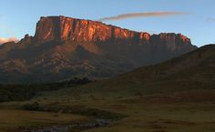 Mount Roraima - The highest mountain in the Pacaraima Mountains. Roraima located on the 3 borders of Venezuela, Brazil, and Guyana and is the highest of the Pak Monte Roraima, Brazil Travel, Relax, Beautiful Park, Beautiful Places To Visit, Geology, Travel Pictures, South America, Places To Travel