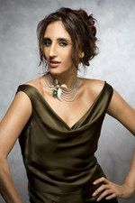 Farah Khan wearing her diamond and emerald Floral necklace.