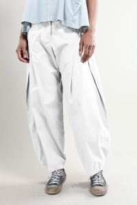 Order our Trousers Guya from our OSKA Spring/Summer 2014 collection today Baggy Trousers, Pants, Sewing Shorts, Comfy Casual, Casual Outfits, Casual Clothes, Spring Summer, Summer 2014, Collection