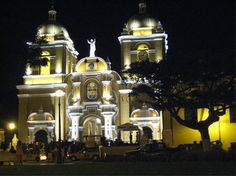 Iglesias en el centro de Trujillo