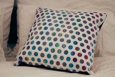 Decorative pillow handmade pillow colored dots por Mereydesign, €26.00 Handmade Cushions, Decorative Pillows, Something To Do, Bed Pillows, Pillow Cases, Dots, Creative, Color, Design