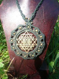 """Das Shri Yantra ist im tantrischen Buddhismus das zentrale """"Zeichen"""" des…"""