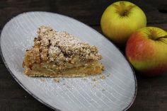 Apple Pie, Banana Bread, Desserts, Food, Pie, Apple Tea Cake, Almonds, Sprinkles, Bakken