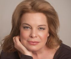 EXCLUSIVE : ORANGE IS THE NEW BLACK: Shining the Spotlight on Cathy Curtin