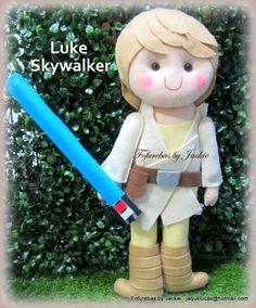 QUE A FORÇA ESTEJA COM VOCÊ, LUKE!!!!   Apaixonada pelo Luke que fiz para a Ariane, ela confiou de olhos fechados nas minhas mãozinhas, s...