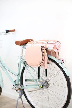 DIY Pannier Bags for Your Bike | lovelyindeed.com