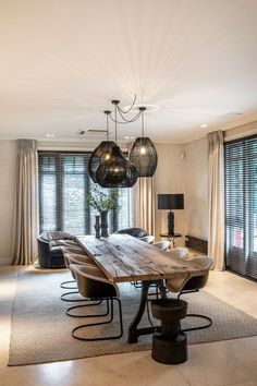 The post Villa Vondelpark appeared first on HOOG.design - Exclusive living inspiration in the United Kingdom. The post Villa Vondelpark appeared first on HOOG.design - Exclusive living inspiration in the United Kingdom. Dining Table Design, Dining Room Table, Room Interior, Home Interior Design, Interior Modern, Interior Architecture, Home Living Room, Living Room Decor, Dining Room Inspiration