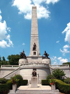 Lincoln's Tomb in Oak Ridge Cemetery, Springfield, Illinois, is the final resting place of the President of the United States, Abraham Lincoln. Abraham Lincoln, Springfield Illinois, Destinations, Park Service, Roadtrip, Historical Sites, Travel Usa, Wisconsin, Lake Michigan