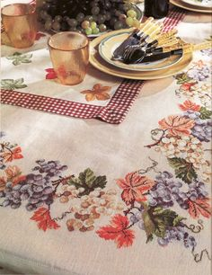 tablecloth pinned from lutarcik. Cross Stitch Fruit, Cute Cross Stitch, Cross Stitch Borders, Cross Stitch Charts, Cross Stitching, Cross Stitch Embroidery, Hand Embroidery, Cross Stitch Patterns, Handmade Design