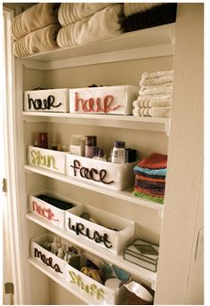 I always have beauty products in excess, need to learn organization like this..
