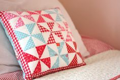 Half Square Triangle Pillow Round Up - Sugar Bee Crafts - Half Square Triangle Pillow Round Up – Sugar Bee Crafts - Patchwork Cushion, Quilted Pillow, Quilting Projects, Sewing Projects, Sewing Crafts, Vintage Star, Triangle Pillow, Aqua Fabric, Pinwheel Quilt