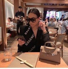 Top - - direct link on insta story Boujee Lifestyle, Luxury Lifestyle Fashion, E Cosmetics, Elegantes Outfit Frau, Bougie Black Girl, Mode Turban, Black Luxury, Luxe Life, Black Girl Aesthetic