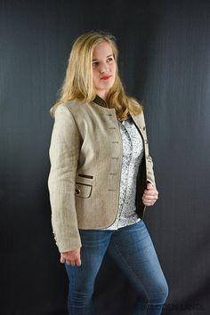Trachtige Herbst Damen Kombinationen - bei Loden Landl Blazer, Women, Fashion, Fall, Jackets, Moda, Fasion, Sports Jacket, Fashion Illustrations