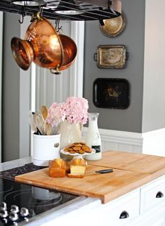 10 things every small kitchen should have #SOdomino #room #furniture #countertop #kitchen