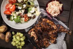 Broileri maistuu parhaiten kun sen grillaa kokonaisena. Poppamies antaa kolme hyvää ohjetta, kuinka grillata kokonaista broileria. #poppamies #savustus #grillaus #maustaminen #ruoka #ruuanlaitto #mauste #kana #kanangrillaus #kokonainenkana #broileri #broileringrillaus Tandoori Chicken, Meat, Ethnic Recipes, Food, Essen, Meals, Yemek, Eten