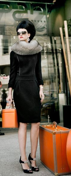 Little black dress. Clothes my style. Glamour, High Fashion, Winter Fashion, Street Fashion, Fashion Vestidos, Style Personnel, Fancy, Travel Style, Travel Fashion