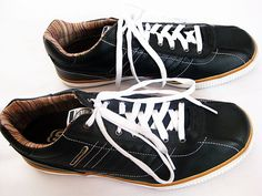 Skechers Cordage Leather Sneaker Black and White Lace Up Men's Shoe Size 11.5 - Sold out online in this color.  Free domestic shipping included!