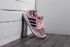 adidas Swift Run J Icey Pink/ Core Black/ Footwear White Adidas Women, Tenisky Adidas, Adidas Sneakers, Footwear, Running, Pink, Shoes, Black, Fashion