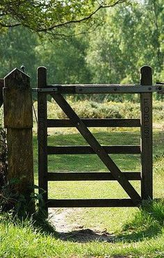 Fence Landscaping, Backyard Fences, Garden Fencing, Country Fences, Country Farm, Country Life, Country Living, Fence Art, Dog Fence