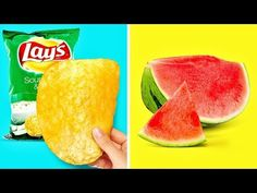 "RECIPES FOR LAZY PEOPLE After watching this video you will learn cool kitchen hacks for lazy people! Check out smart ways to eat chips: – turn chips bag into a bowl using the ""roll up [. How To Store Avocado, How To Cut Avocado, Fresh Avocado, Pringles Can, Orange Rolls, Detox Smoothie Recipes, Cut Watermelon, Lemon Detox, Fruit Seeds"