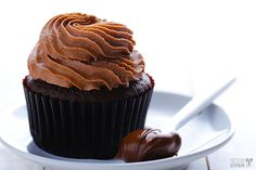 Nutella Cupcakes | gimmesomeoven.com