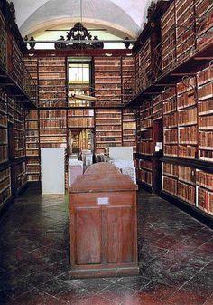 Biblioteca Estense (Modena) Italy