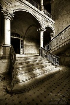 Inside+Old+Abandoned+Mansions | Inside Old Abandoned Mansions | beelitz, ... | Places, Pictures, Old ...