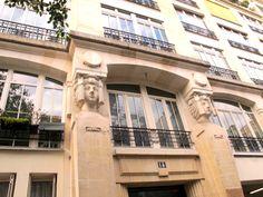 Paris 3 iem - France - Pascale Nallet JURIC- Jean François JURIC - artiste La Rochelle , ile de Ré , ile d' oléron  - french artist - artiste peintre La Rochelle - Artiste Peintre ile de Ré -