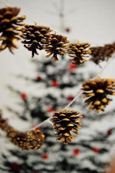 Gilded Pine Cone Garland