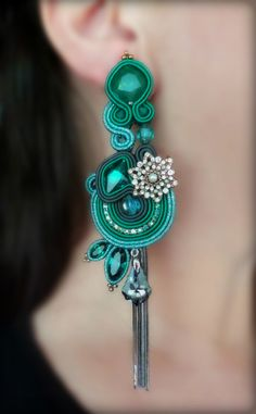 Soutache Earrings by Serena Di Mercione - #emerald Soutache Pendant, Soutache Earrings, Ring Earrings, Shibori, Soutache Tutorial, Passementerie, Handmade Jewelry, Diy Jewelry, Diy Accessories